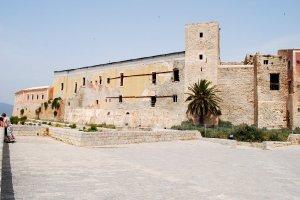 4226  300x225 krepost starogo goroda ibiza 13 Старый город Ибица