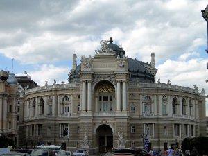 8081  300x225 odesskij akademicheskij teatr opery i baleta 01 Одесский Академический театр Оперы и Балета