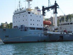 866  300x225 port sevastopolya 08 Порт Севастополя