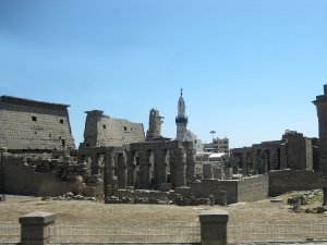 9904  300x225 luksorskij hram 06 Луксорский храм