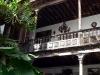 Дом с балконами. Внутренний дворик
