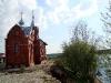 Храм Всех Санкт-Петербургских Святых на берегу реки Луга