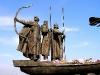 Певчее поле. Памятник основателям Киева